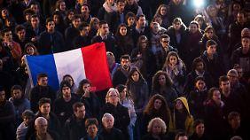In Toulouse gedenken Franzosen der Opfer der Anschläge.