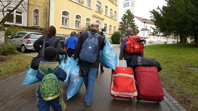 Vermutlich reisen viele Flüchtlinge in die Großstädte oder zu Verwandten.