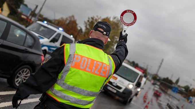 Personalmangel bei Bundespolizei: Bayern will Grenzen selbst kontrollieren
