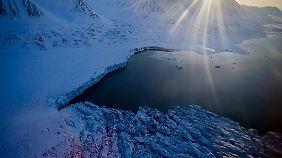 Fast 50 Grad zu warm: Nordpol verzeichnet besorgniserregende Rekordwerte