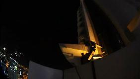 Luxushotel-Brand in Dubai: Fotograf filmt waghalsige Rettung aus 48. Stock