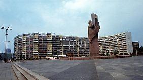 Mehr als 1000 Wohnungen gab es in den Häusern rund um den Platz.