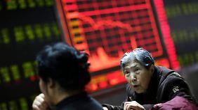 Heftiger Kursrutsch: China setzt Börsenhandel kurzfristig aus