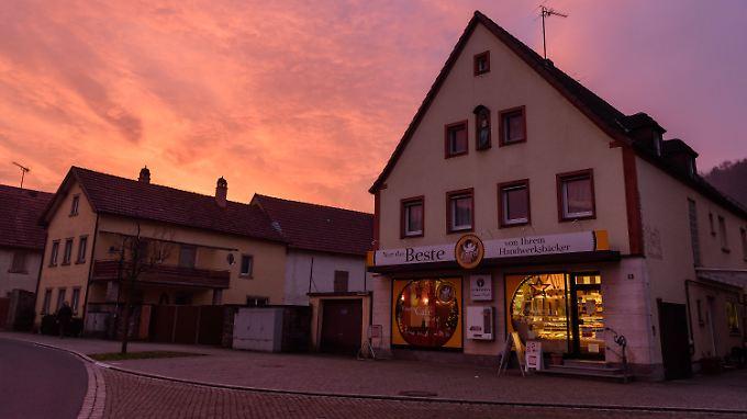 Bäckerei Engel in Retzstadt produziert ein Grundwasserschutzbrot, welches aus Backweizen hergestellt wird, der mit weniger Stickstoff gedüngt wird.