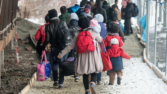 Die Städte und Kommunen können den Flüchtlingsstrom kaum noch bewältigen.