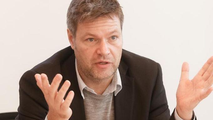 """Das Wirtschaftsstrafgesetz """"braucht also Zähne"""", sagt Habeck."""