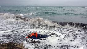 Flucht trotz schlechten Wetters: Mindestens 21 Menschen ertrinken vor türkischer Küste
