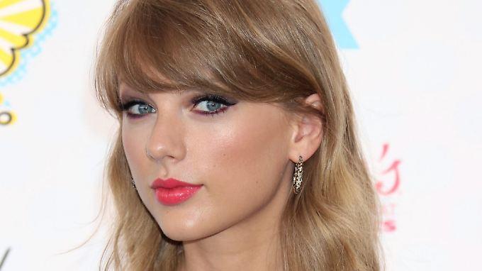 Die Fans haben entschieden: Taylor Swift gewinnt in zwei Kategorien.