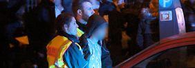 In der Silvesternacht waren am Kölner Hauptbahnhof Dutzende Frauen sexuell belästigt und ausgeraubt worden.