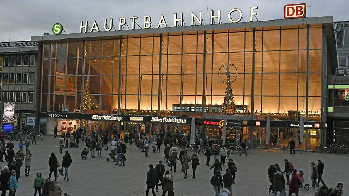 Gefährliches Pflaster vor dem Kölner Hauptbahnhof