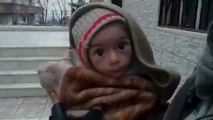 Internationale Hilfsorganisationen bestätigen, wovor Aktivisten seit Wochen warnen: In Madaja blicken bis zu 20.000 Kinder einem furchtbaren Schicksal entgegen (Standbild aus einem Video aus der umkämpften Stadt).