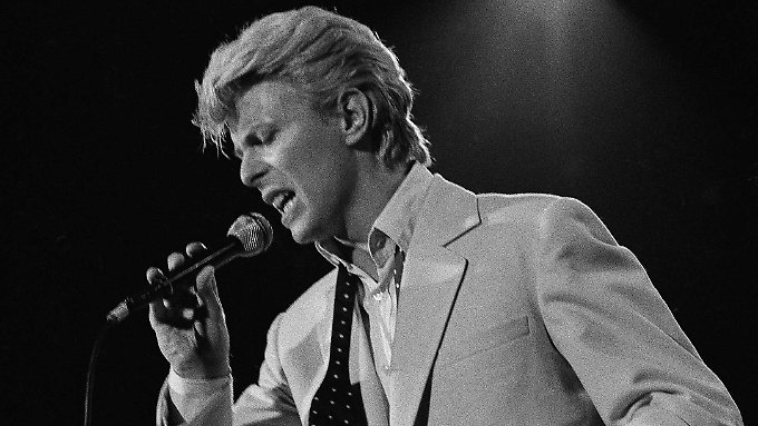 David Bowie starb am 10. Januar. Stars gedenken der Pop-Ikone nun.