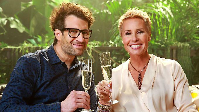 Daniel Hartwich und Sonja Zietlow können anstoßen: 2016 wird das Dschungelcamp besonders hart für die Promis.