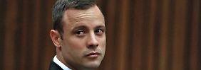 Der südafrikanische Ex-Sprinter Oscar Pistorius wehrt sich vor dem Verfassungsgericht gegen eine Verurteilung wegen Mordes.