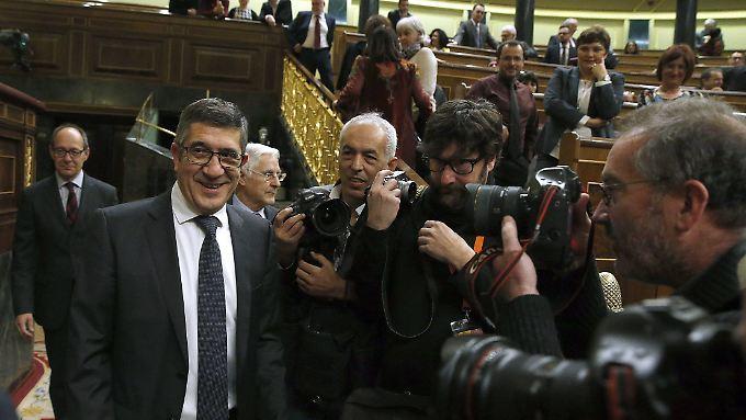 Neuer Parlamentspräsident: Patxi López (l.).