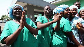Große Freude bei den Helfern in Liberia.