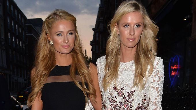 Die große und die kleine Schwester: Paris (l.) und Nicky Hilton.