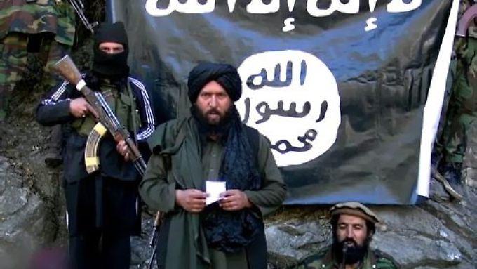 Hafis Said (m.) wurde bereits im vergangenen Jahr für tot erklärt: Damals dementierte der IS.