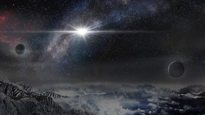 Eine Illustration des Ereignisses: So könnte ASASSN-15lh von einem Exoplaneten ausgesehen haben, der rund 10.000 Lichtjahre von der Heimatgalaxie des explodierenden Sterns entfernt ist.