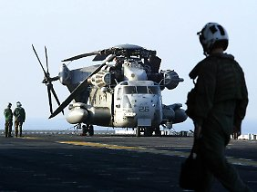 """Speziell ausgerüstet für den Einsatz auf hoher See: """"Sea Stallions"""" verfügen über Zusatztanks, erweiterte Navigationsanlagen und Rettungsflöße."""