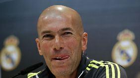 Real-Coach Zinedine Zidane glaubt nicht, dass die Transfersperre gegen seinen Klub aufrechterhalten wird.