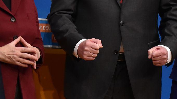 CSU-Chef Horst Seehofer verliert die Geduld: Kanzlerin Merkel soll handeln.