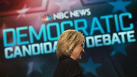 Clinton ist nicht mehr die strahlende Favoritin, als die sie gestartet ist.