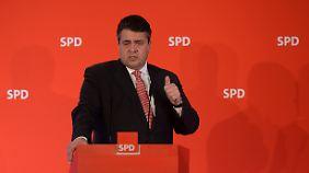 Nach Schusswaffen-Äußerung von Petry: Gabriel: Verfassungsschutz soll AfD beobachten