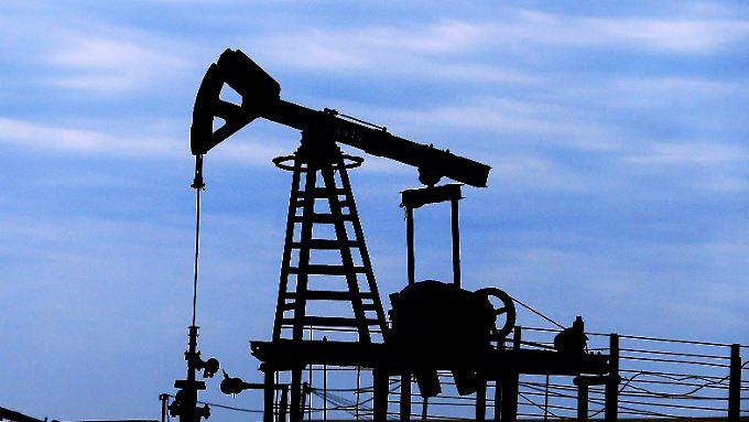 Der Öl-Preissturz wird immer absurder: Eine US-Rohölsorte wird inzwischen fast verschenkt.