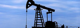 Wird Produktion eingefroren?: Gerüchte über Förderbremse treiben Ölpreis