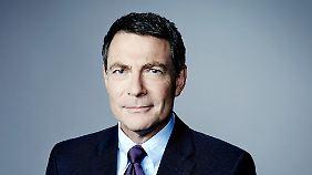 Jonathan Mann moderiert auf CNN International immer montags, um 11.00 Uhr, die US-Politsendung Political Mann.
