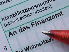 Auch Senioren müssen mitunter ihre Steuererklärung fristgerecht abgeben.