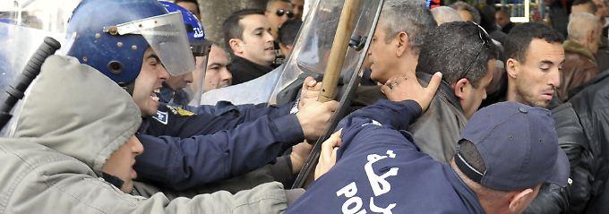 Die algerische Polizei gilt nicht gerade als zimperlich.
