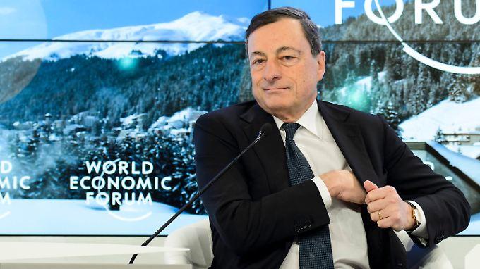 Überraschende Ankündigung: EZB-Chef Draghi schürt Hoffnung auf Lockerung der Geldpolitik