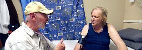 Schwäche und Lähmungsgefühle: Gunter Gabriel im Krankenhaus