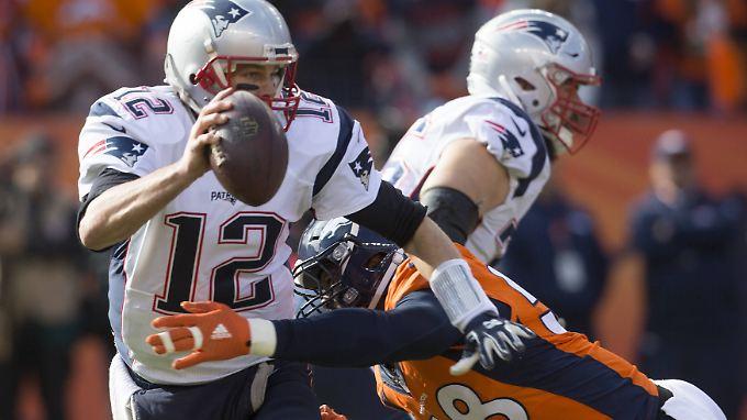 Tom Brady leistete sich zwei Interceptions und kassierte gleich vier Sacks.