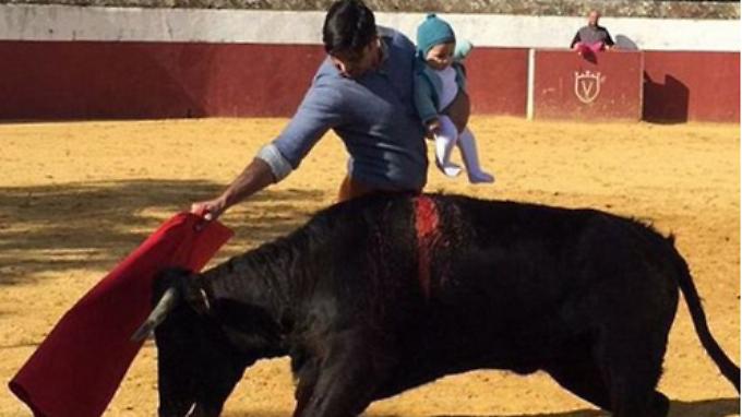 So macht man das in der Torero-Familie: Die Kinder werden schon früh an die Kampfkunst herangeführt.