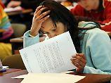 Immer mehr Jugendliche sind von dauerhaften Kopfschmerzen geplagt.