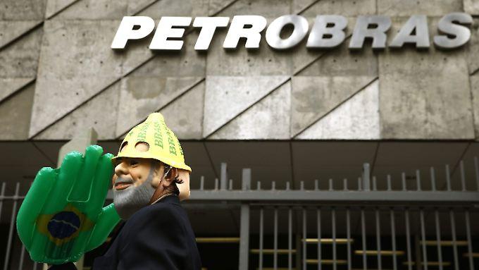 Der staatliche Erdölkonzern ist ein Musterbeispiel für Korruption - Brasilien hat dadurch mehrere Plätze im Korruptionsindex verloren.