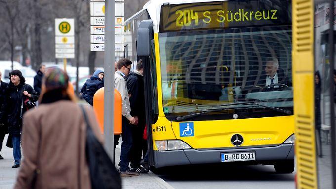 Fahrgastzahlen in Bussen und Bahnen steigen beständig an.