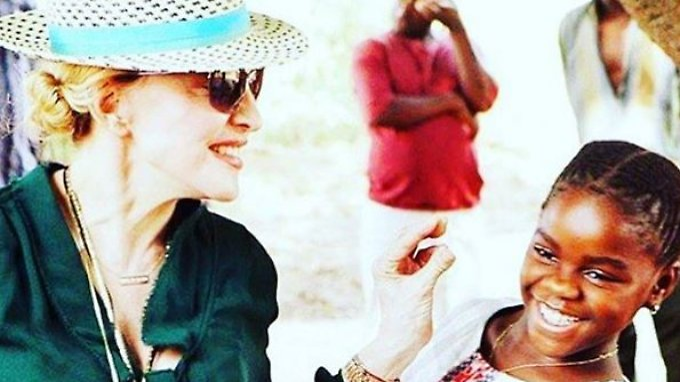 Die Popqueen und ihr Töchterlein: Madonna und Mercy.