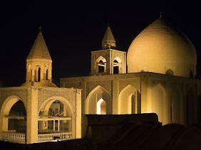 Isfahan ist ein touristisches Highlight auf einer Iran-Reise.