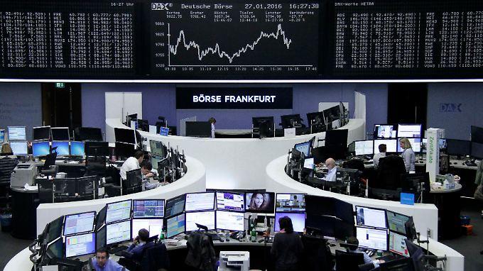 Der Frankfurter Aktienhandel in den Stunden vor dem Fed-Entscheid: Die Fed schaut künftig stärker auf das globale Umfeld,