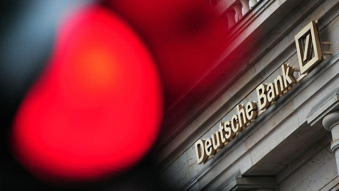 Ernüchternde Jahreszahlen: Experten glauben nicht an Wende bei der Deutschen Bank