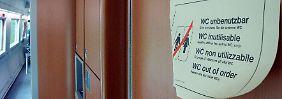 Rechtsstreit um kaputte Zugtoilette: Wenn man muss, aber nicht kann