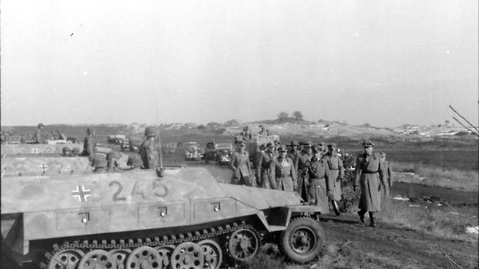 """Mitglieder der SS-Panzerdivision """"Hitlerjugend"""" im Januar 1945."""