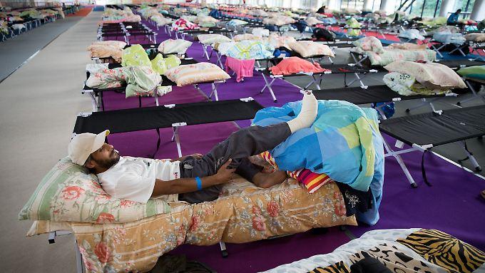 Schluss mit den Wartezelten: 10.000 Flüchtlinge sollen in Berlin künftig in Hotels leben.