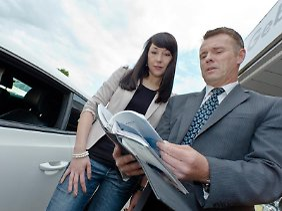 Reparaturbedarf senkt den Wert: Doch Händler können meist günstiger reparieren lassen als der Autobesitzer.