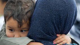 Alarmierende Trendwende: Immer mehr Flüchtlinge sind Frauen und Kinder