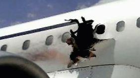 Notlandung in Mogadischu: Explosion reißt Loch in Rumpf von Passagierjet